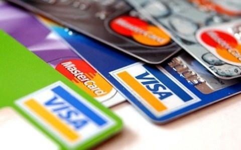 2021年上半年越南信用卡支付营业额较疫情爆发前下降50-70% 提议国际卡组织减免收费 hinh anh 1
