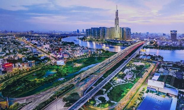 越南计划与投资部部长阮志勇:若能在9月内成功管控疫情 越南全年GDP有望增长3.5~4% hinh anh 1
