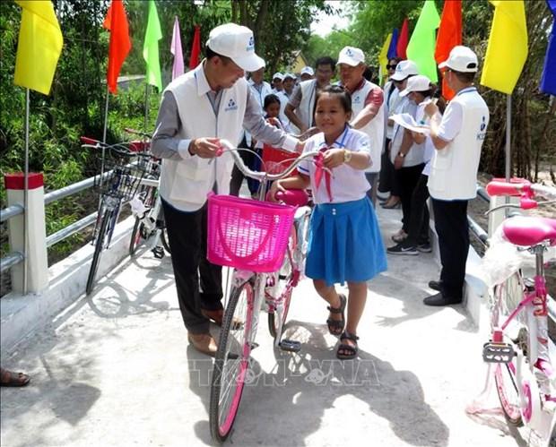 Quang Ngai: Dua vao su dung cay cau tai vung thuong xuyen bi co lap do mua lu hinh anh 3