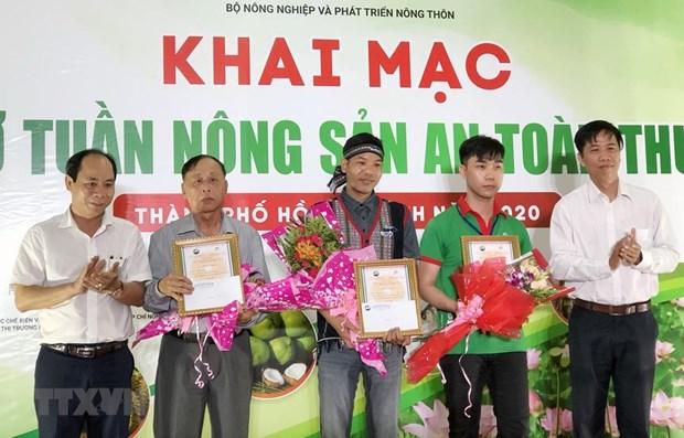 Khai mac phien cho Tuan nong san an toan thuc pham nam 2020 hinh anh 1