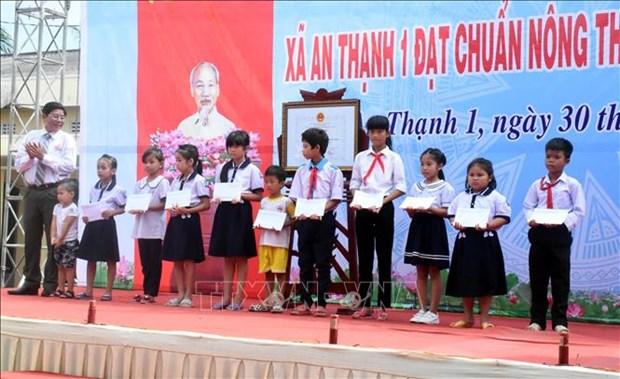 An Thanh 1 dat chuan xa nong thon moi nang cao dau tien o tinh Soc Trang hinh anh 2