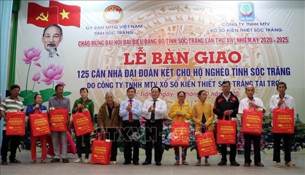 Soc Trang ban giao 125 can nha dai doan ket cho ho kho khan ve nha o hinh anh 2