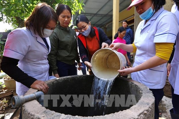 Quang Tri tap trung xu ly nguon nuoc sinh hoat cho nguoi dan vung lu hinh anh 1