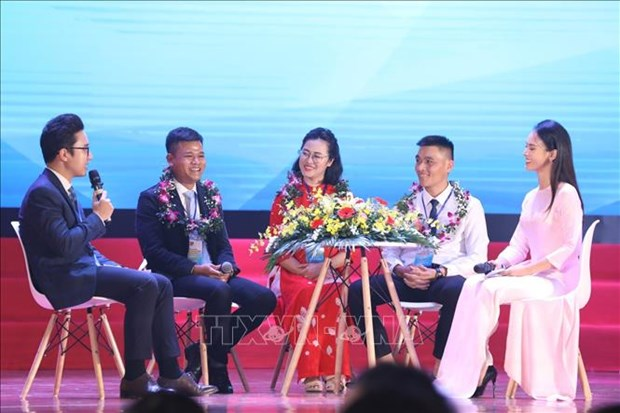 Pho Thu tuong Truong Hoa Binh: Giao vien hay la nguoi tien phong doi moi can ban, toan dien nen giao duc hinh anh 3