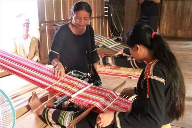 Ngay Di san van hoa Viet Nam (23/11): Vinh danh sac mau tho cam Viet hinh anh 1
