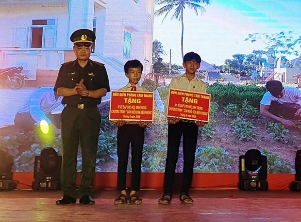 Bo doi bien phong Quang Nam uom mam uoc mo cho tre em dong bao Co Tu hinh anh 1