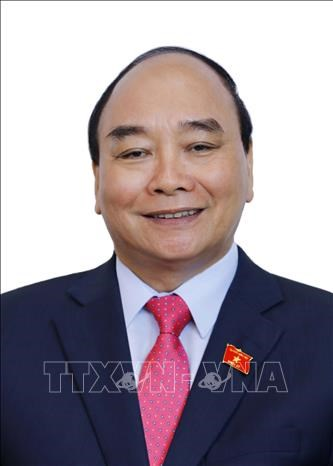 Tom tat tieu su Chu tich nuoc Nguyen Xuan Phuc hinh anh 1