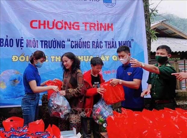 """Lan toa chuong trinh """"Doi rac thai nhua lay qua"""" noi vung cao Lai Chau hinh anh 5"""