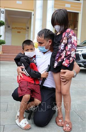 Huong ung Loi keu goi cua Tong Bi thu Nguyen Phu Trong: Doan can bo y te tinh Kon Tum ho tro Binh Duong day lui dich COVID-19 hinh anh 2