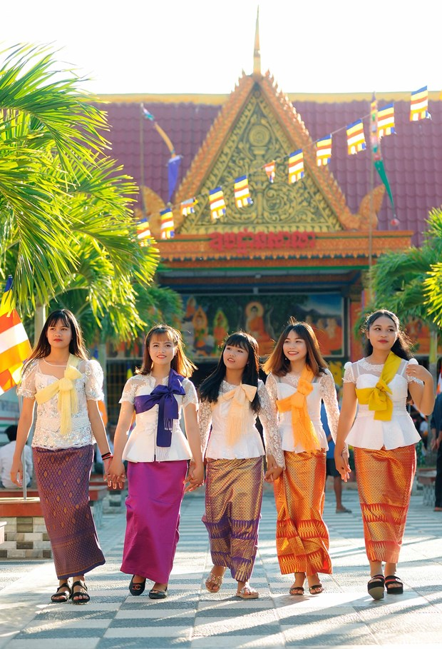 Gia tri giao duc trong gia huan ca nu cua nguoi Khmer Nam Bo hinh anh 3