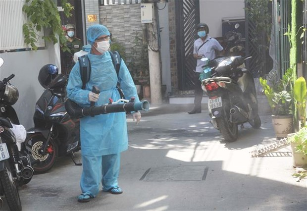 新冠肺炎疫情:对入境越南专家加强防疫措施 hinh anh 2