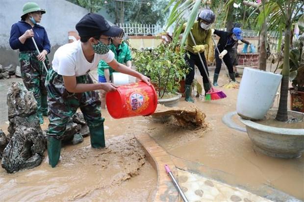 政府总理决定向中部灾区紧急提供援助资金5000亿越盾 hinh anh 1