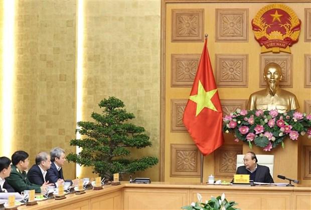 越南政府总理阮春福就经济社会发展情况与各地方领导举行工作座谈会 hinh anh 2