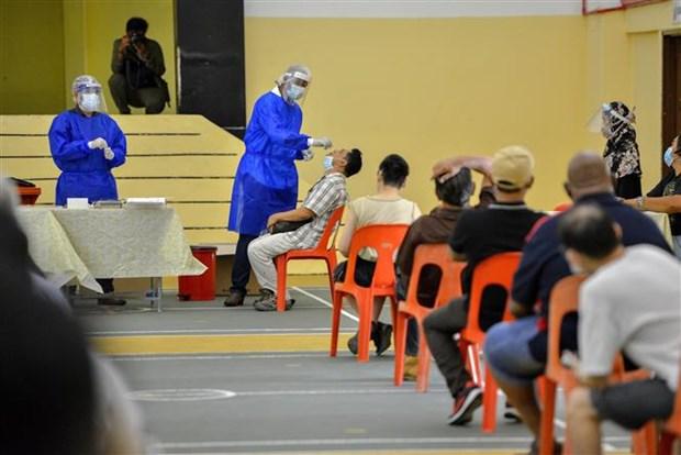 马来西亚新冠死亡病例创新冠疫情爆发以来最大单日增幅 印尼宣布再度延长实施禁止外籍人士入境的禁令 hinh anh 1