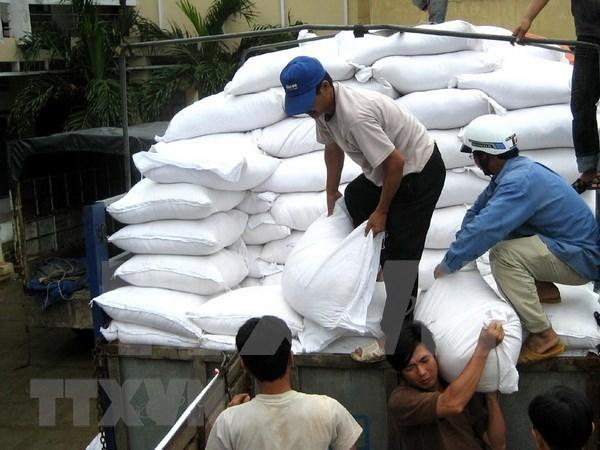 越南政府春节前向民众发放大米 hinh anh 1