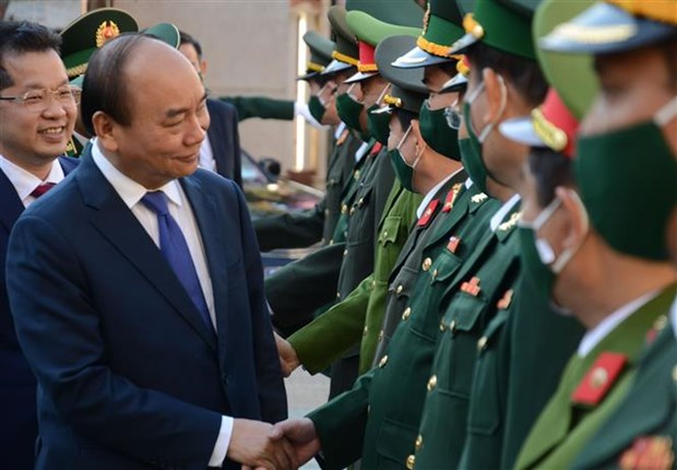 越南政府总理阮春福向岘港市各单位拜年 hinh anh 2