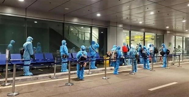 越南加强管理从海外飞往越南的载客航班 hinh anh 1