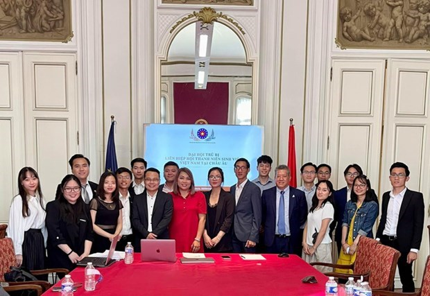 在欧洲越南大学生青年协会联合会正式成立 hinh anh 1