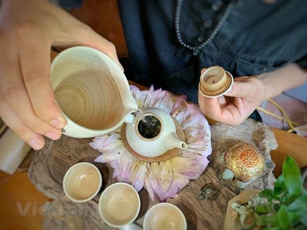 河内人热衷于莲花茶窨制业,竭尽全力保护与弘扬先祖传统 hinh anh 2